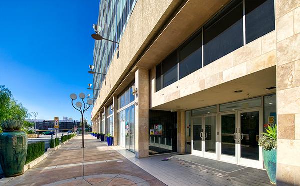 KB Van Nuys, DST - The Phoenix Building