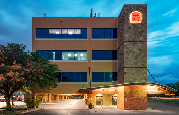 Kingsbarn Realty Capital Executes Sale-Leaseback  Transaction With Texas Physicians Group